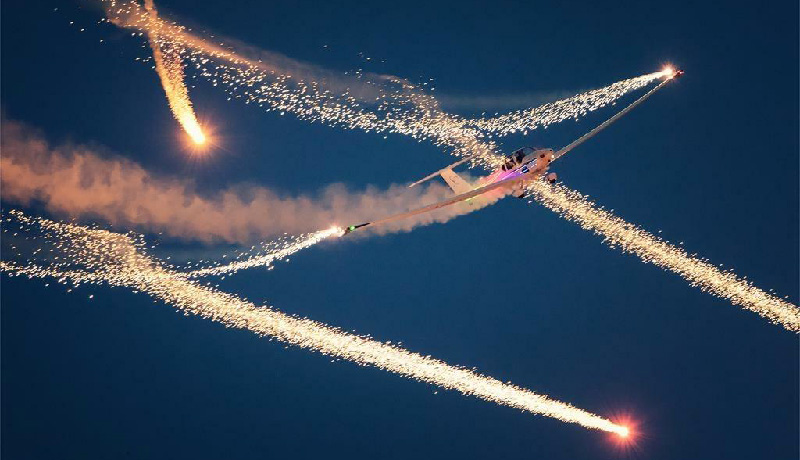 CONSTELLATION : show aérien par Bleuciel Airshow