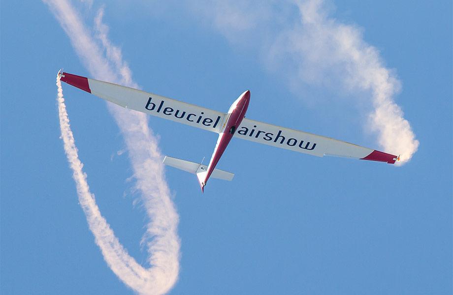 8500 demonstrations aeriennes par Bleauciel Airshow