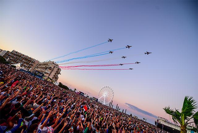 Patrouille de France en événement aérien